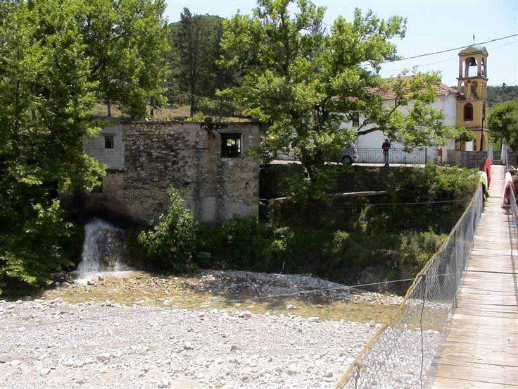 Αερογέφυρα & νερόμυλος - Κάτω Ποταμιά Photo from Kato Potamia in Evritania | Greece.com alte brucke in die kleine centrum