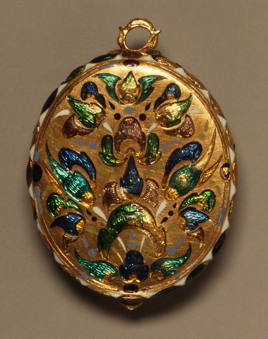 Locket, circa 1620-1640, probably French, gold, partly enameled, rock crystal.