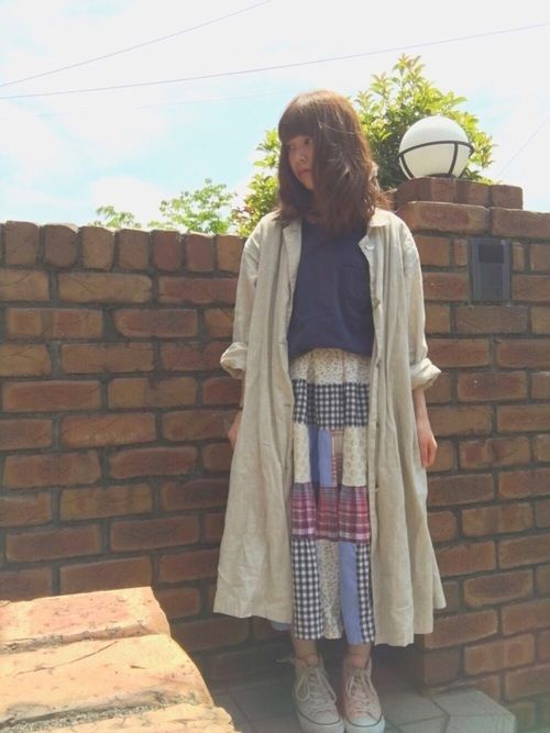 アッツイですねぇ。。。 パッチワークのロングスカートは 原宿で買ったお気に入りです〜☺