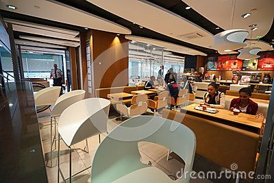 mcdonald-s-interior-paris-september-orly-airport-september-paris-france-paris-orly-airport-international-airport-51479525.jpg (400×267)
