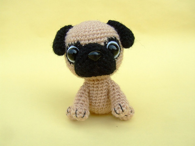 Knitted Pug Pattern : 17 Best images about Crochet pug on Pinterest Crochet patterns, Fashion pat...