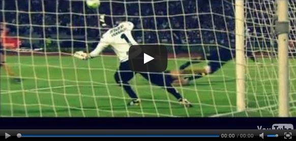 Vídeo del resumen y goles entre Pumas vs América partido que corresponde al juego de ida de los Cuartos de Final de la Liga MX Clausura 2013. Marcador Final: Pumas 0-1 América.