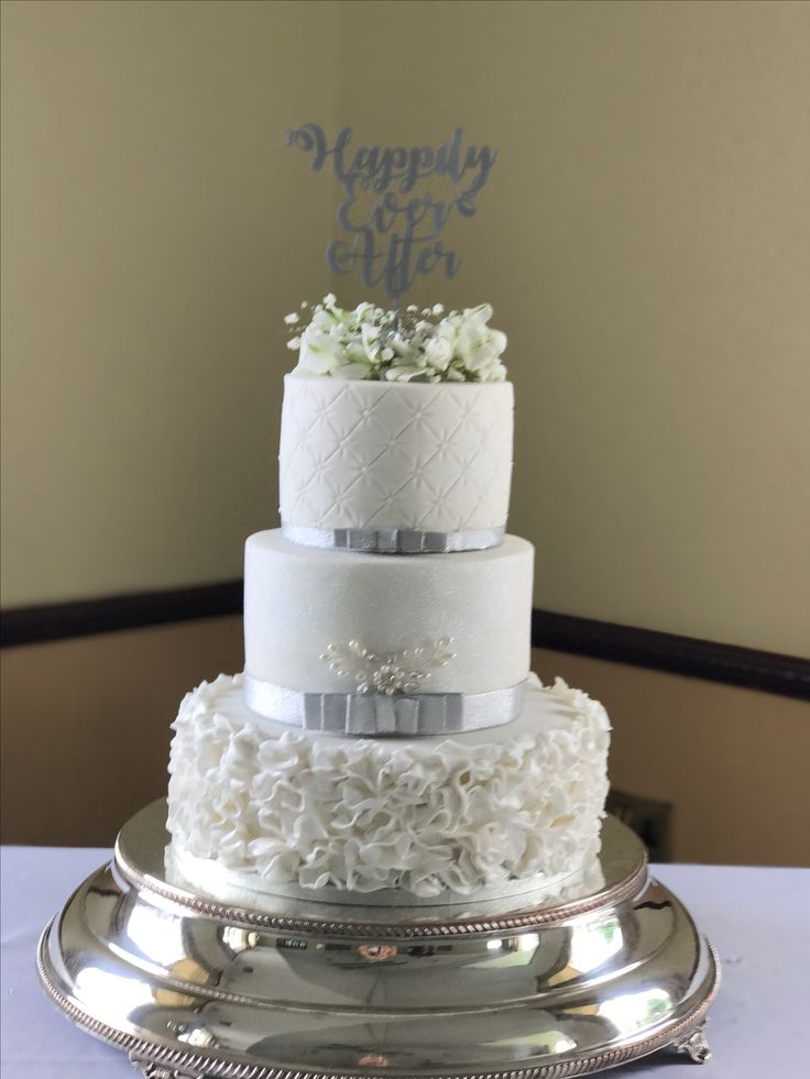 Ruffle and quilted wedding cake