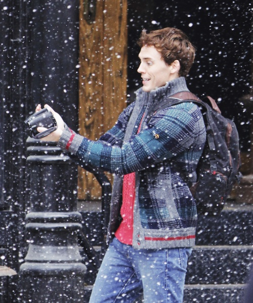PHOTOS: Sam Claflin (Finnick) spotted on the set of his new film Love, Rosie with Mortal Instruments Lily Collins