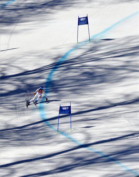 jöjjön mégegy magyar fotós képe Szocsiból  Téli olimpia témájú írások a blogon -> http://blog.volgyiattila.hu/tag/olimpia-szocsi/ #fotó #sportfotó #sajtófotó #szocsi #sochi2014 #skating #speedskating   Miklós Edit a 2014-es szocsi téli olimpia alpesi-síversenyeinek női lesiklásában a Krasznaja Poljana-i Roza Hutor Síközpontban 2014. február 12-én. MTI Fotó: Illyés Tibor