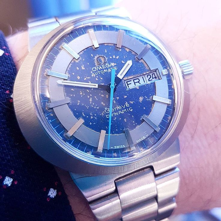Omega dynamic Geneve day and date 1975. The dial has aged in a very unusual way. Often seen with these electroplated blue finishes. I'm sure it's a tropical effect from either humidity or sunlight. Resulting in a very individual effect. This watch is...
