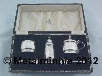 CASED 3 PIECE SILVER CRUET SET 1924 MAPPIN & WEBB