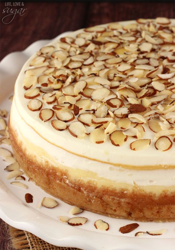 Amaretto Cheesecake - thick, creamy and so good! Perfect treat for Valentine's Day #butter #sourcream #heavycream