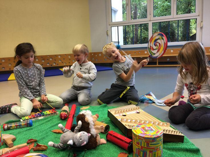 Mit welcher Freude die Kinder dabei sind!Wo? In Salterinas Klangparadies #musikalische Frühförderung im Kindergarten Schönau/Triesting
