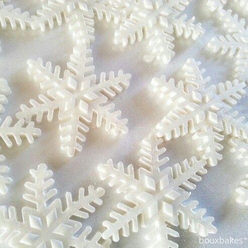Edible frozen snowflakes