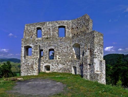 Dobrá Niva Castle, Slovakia