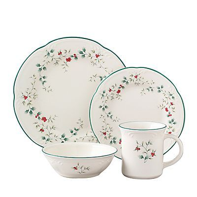 Pfaltzgraff Winterberry 16-pc. Dinnerware Set