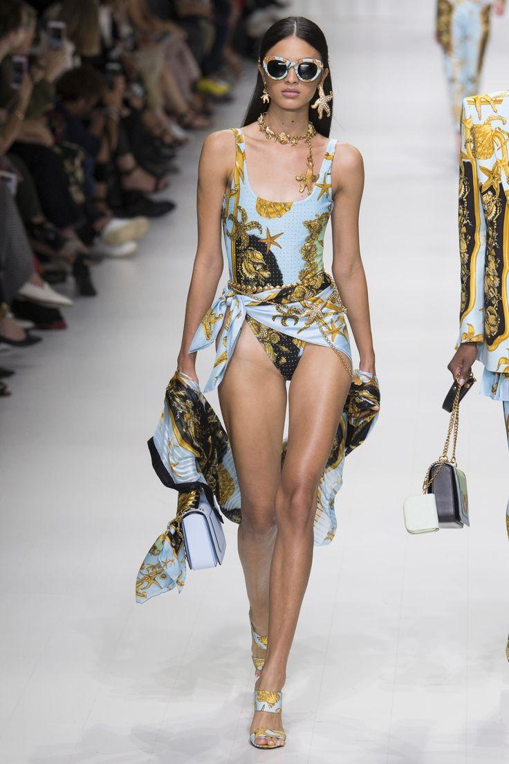 Défilé Versace Printemps-été 2018 33