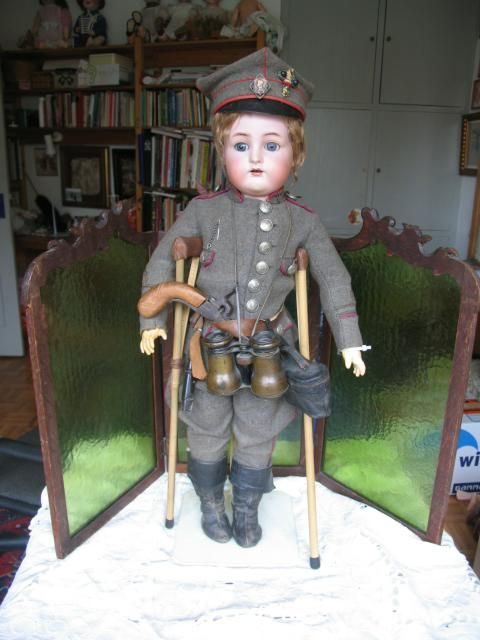 Kammer & Reinhardt W 28 inches or 70 cm. Original militair costume from dollcabinet on Ruby Lane