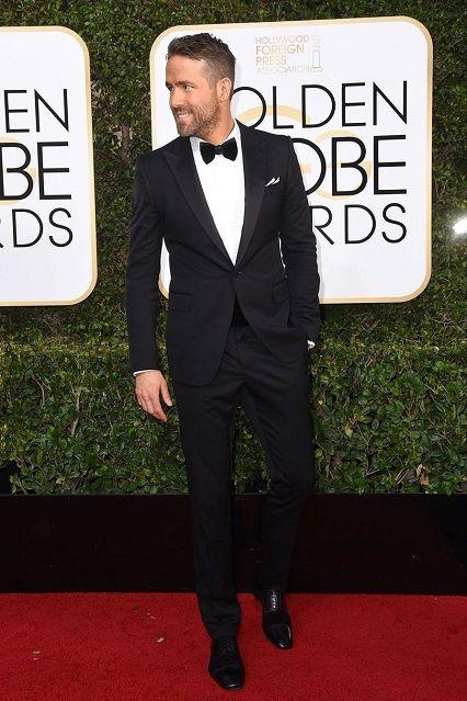 Ryan Reynolds ai Golden Globe Awards 2017http://www.theauburngirl.com/best-dressed-of-the-weeks-golden-globes/