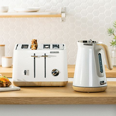 The Morphy Richards Scandi Aspect kettles and toasters are not only stunning wooden-trimmed appliances, they pack all the functionality needed in a modern day kitchen!
