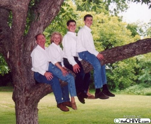 Awkward Family Photos: what the heck...?