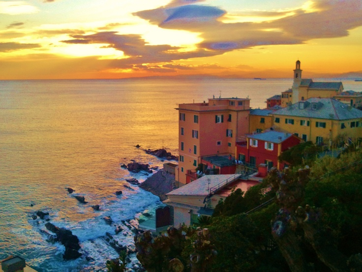 Boccadasse 10 minutes walk from Il Borgo di Genova bed and breakfast.