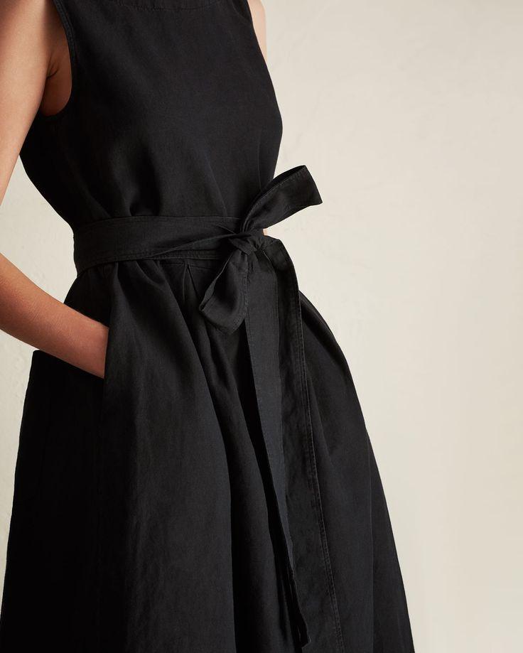 COTTON/LINEN TWILL DRESS | Supple, weighty, Italian-woven, garment-dyed cotton/linen tail dress