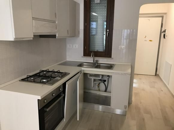PESARO , Appartamento in affitto, Superficie: 65 m², Arredamento: Arredato, Riscaldamento: , Ingresso: Condominiale, Camere: 2