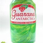 La bebida de la planta guaraná, junto con la caipirininha, sin duda, una bebida deliciosa y típica del Brasil.
