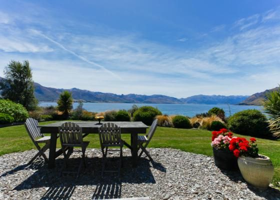 Absolute lakefront. Absolute bliss. in Lake Hawea, Queenstown-Lakes | Bookabach