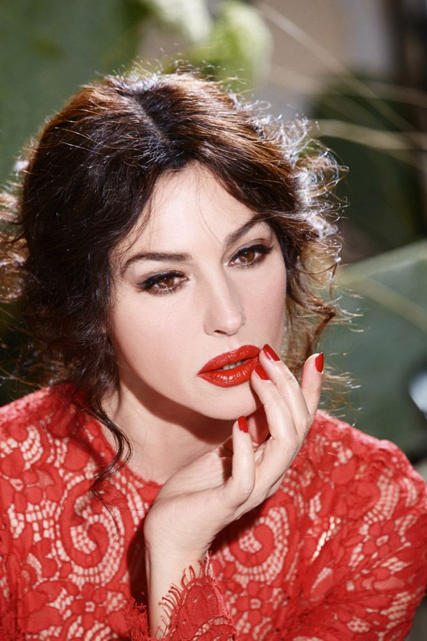 monica bellucci dolce bts Monica Bellucci Stuns in Dolce & Gabbana Classic Cream Lipstick Ad