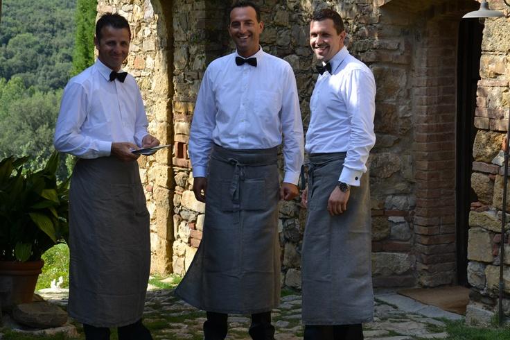 Italian waiters do it better.     www.whitethings.it