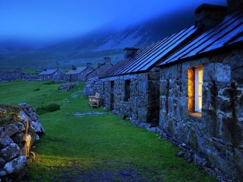 bluepueblo:  Blue Dusk, Stone Cottages, Wales  photo via happy  (via themagicfarawayttree)  via Awesome Spaces