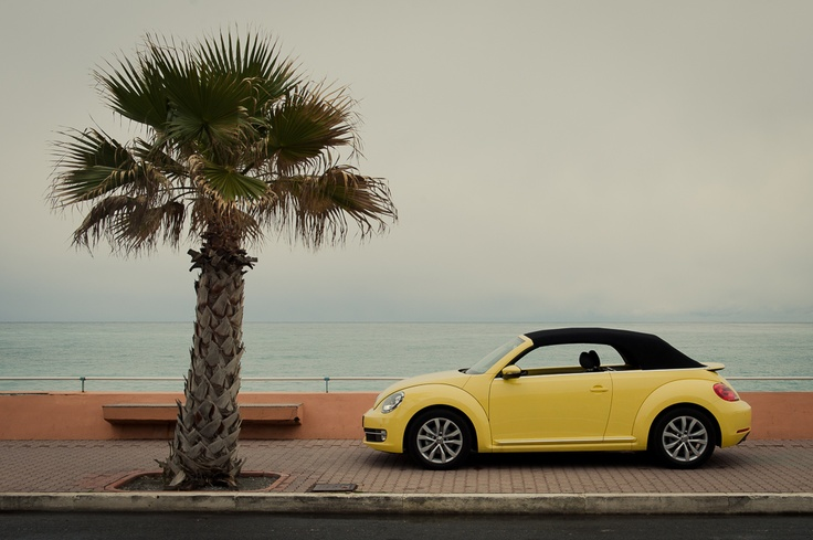2013 Volkswagen VW Beetle Convertible / Cabriolet - saturn yellow