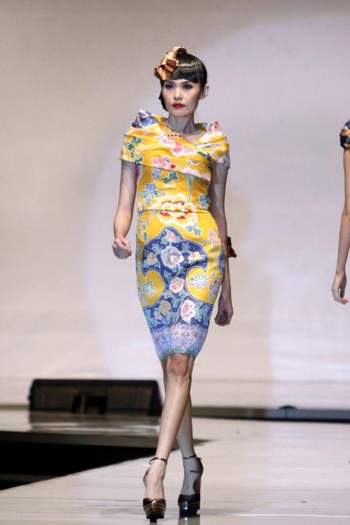 The Best Batik Dress Sebastian Gunawan | yuifashion.com