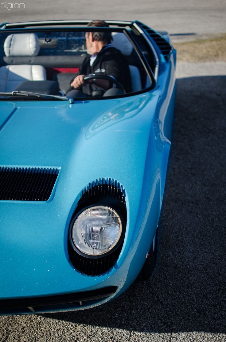 Luxury caravan with full size sports car garage from futuria - Miura Roadster X Mr Balboni