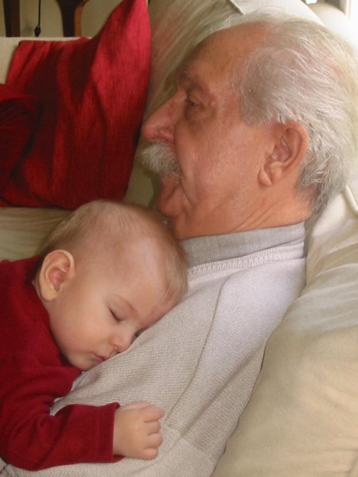 Resultado de imagem para close rostos avó ninando netinho