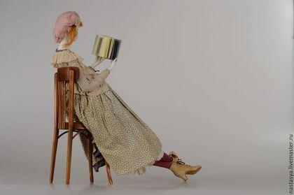 Купить или заказать Авторские куклы 'Три сестры' в интернет-магазине на Ярмарке Мастеров. Лучше всего эти три куклы выглядят вместе, поэтому разделять их не поднялась рука. Паперклей, ткани, старинные и состаренные, обувь из кожи. Рост кукол - 70 см. Стулья работы мастера Алексея Ветрова. Больше фотографий - в блоге!