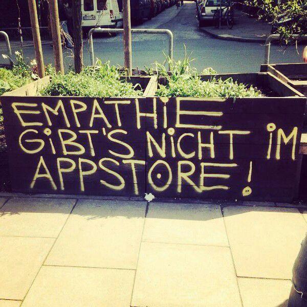 Empathie - Walls - 2/17 - Notes of Berlin