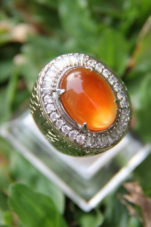 Indonesian Chalcedony from pacitan. (king picis tomato) titanium ring 19mm. PM whatsapp 08119444021