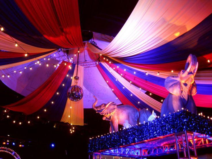 like the circus tent and lights