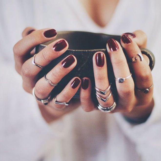 Φθινοπωρινό μανικιούρ; Τα 6 hot χρώματα στα νύχια για το φθινόπωρο 2015 που αξίζει να δοκιμάσεις, όπως τα ανακαλύψαμε στο Pinterest.
