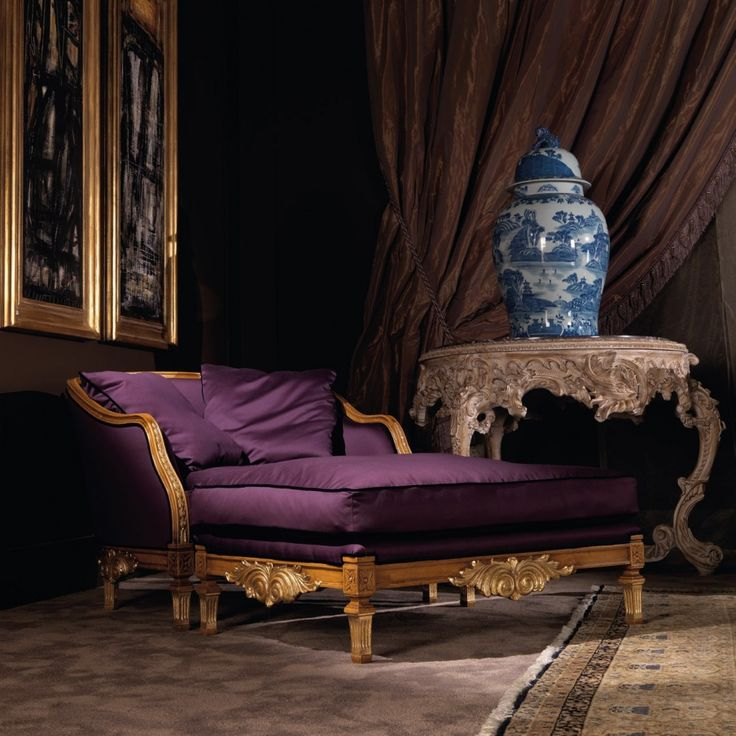 Couch Manet from the collection from the Italian manufacturer Jumbo Collection. The original model in the Baroque style, frame made of natural wood of hard sorts. Decorative elements are carved, handmade. Varnishing is made with antique wax. Upholstery - textiles from the company portfolio.