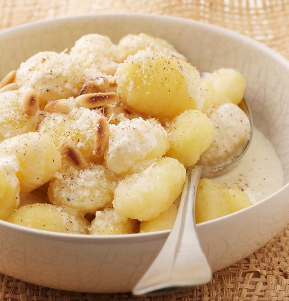 Serve up some #potato #gnocchi with a creamy cheese sauce from Fresh Potatoes http://freshpotatoes.com.au/recipes/gnocchi-with-creamy-cheese-sauce