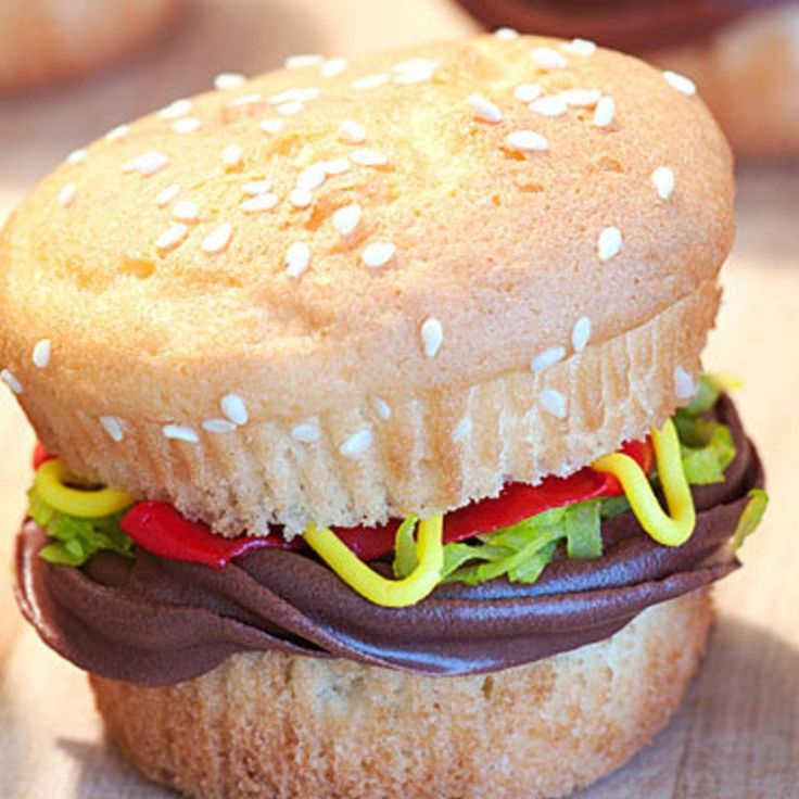 25+ best Burger cupcakes ideas on Pinterest | Hamburger ...