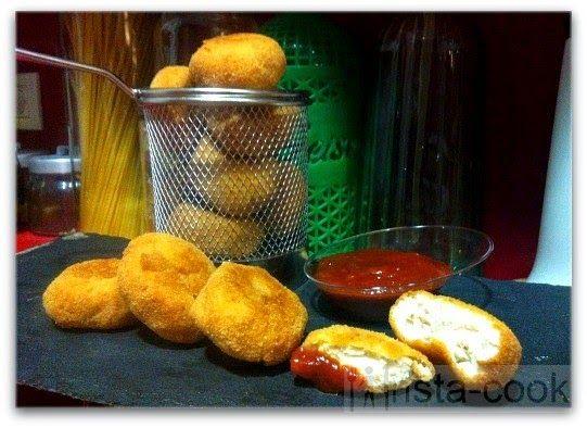 Nuggets de pollo con salsa barbacoa. Nuggets de pollastre amb salsa barbacoa.