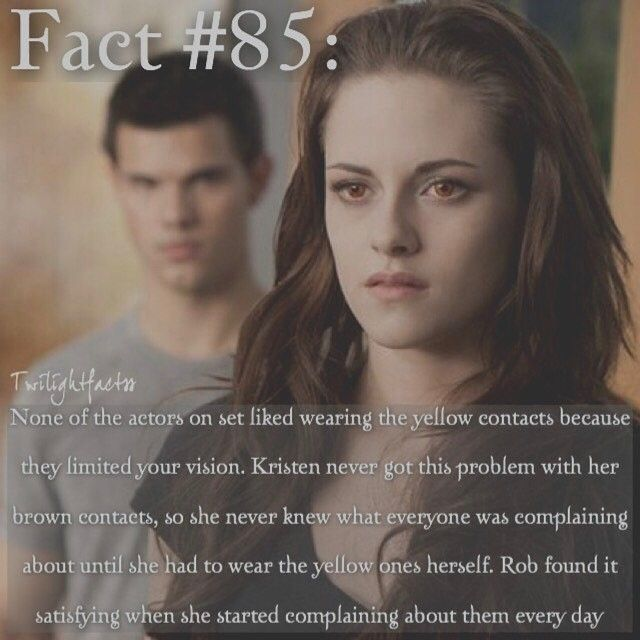 """140 Synes godt om, 4 kommentarer – Twilight Facts (@twilightfactss) på Instagram: """"~ Does anyone else think it's weird that movies tend to come on a day early? I never understood…"""""""