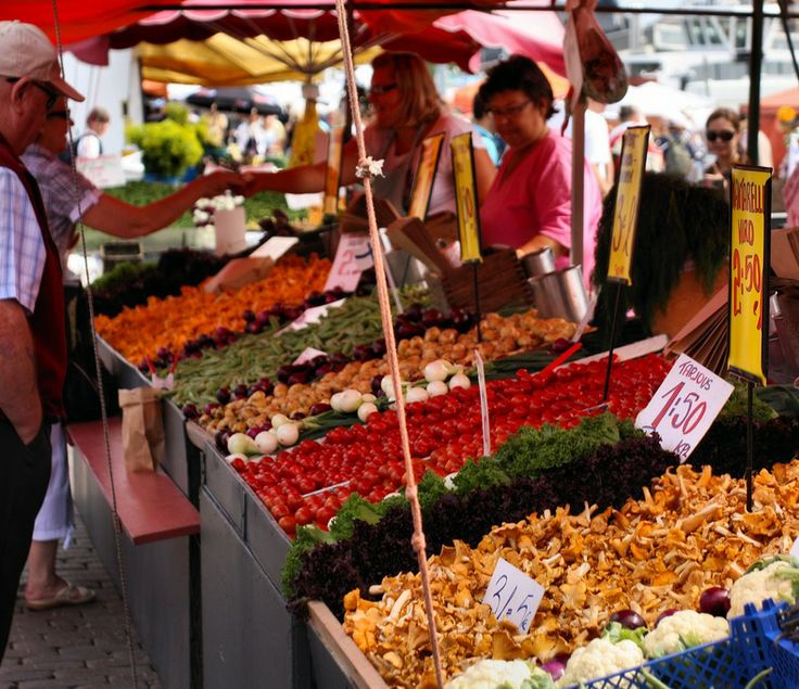 Daily market in the city centre of Helsinki