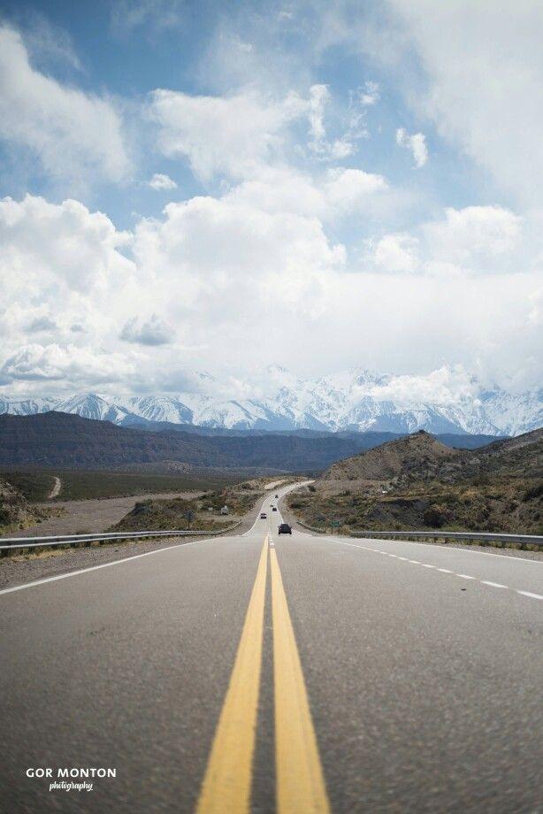*Road to Mountain*