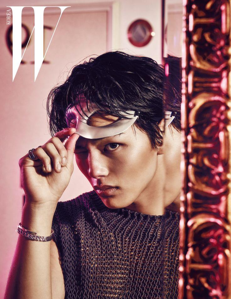 yeo jin goo looks undeniably charismatic in w korea photo shoot - Jingoo Photo Mariage