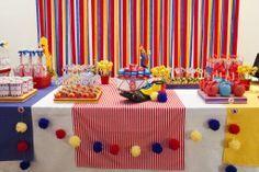 Mesa decorada Circo da Sabrina