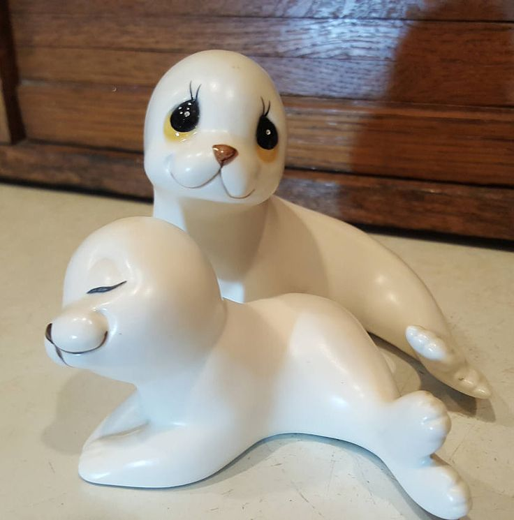 White Seal Porcelain Figurines, Mama and Pup Set, Oxford Mexico, Vintage Gift for Her, Seal Collector, Arctic Seals by ANTFOUNDANTIQUES on Etsy
