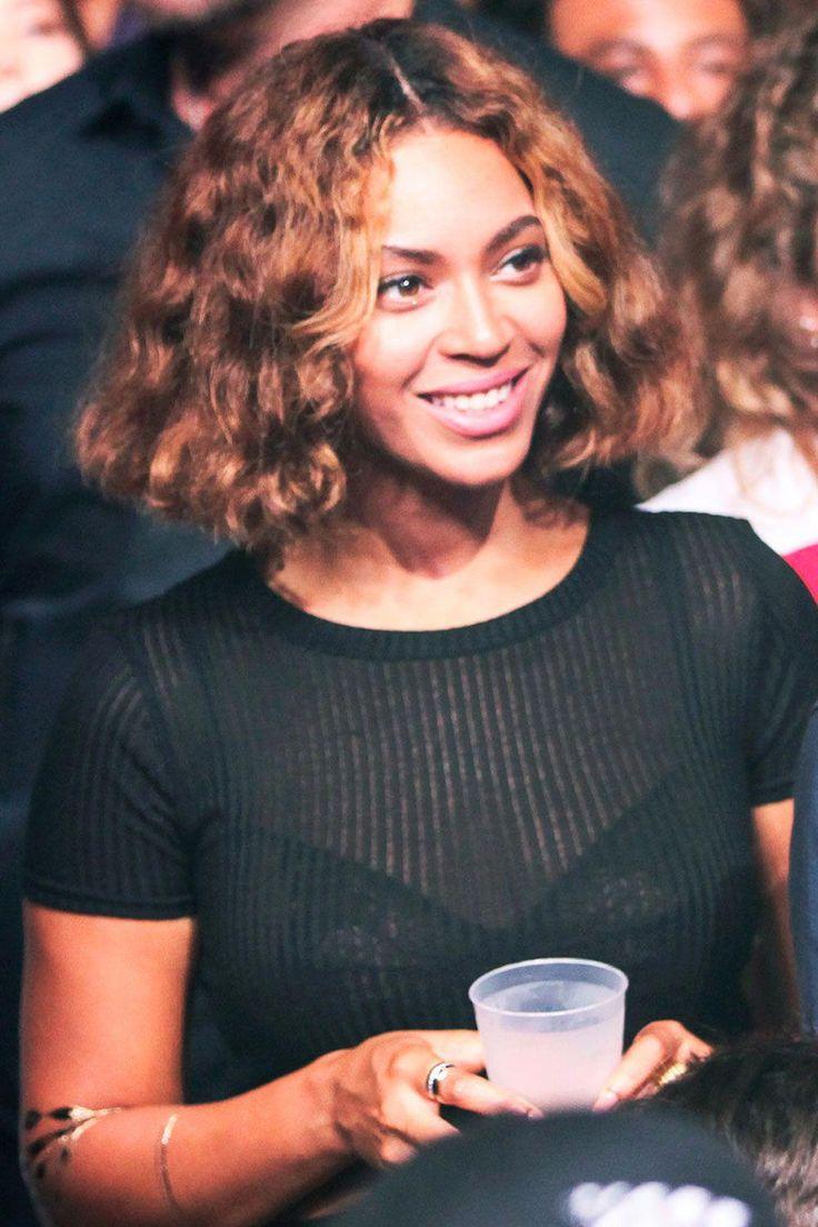 Beyoncé trug beim Made in America Festival eine neue, abgehackte Frisur …