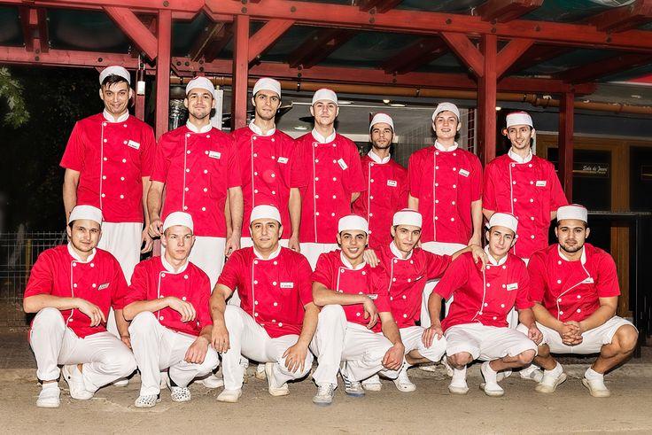O PARTE DIN ECHIPA PRIMO FAST FOOD http://primofastfood.ro/primo-fast-food/